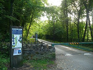 English: Entrance to the Sirhowy Valley Countr...
