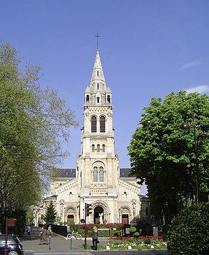 Français : Église paroissiale Saint-Pierre de ...