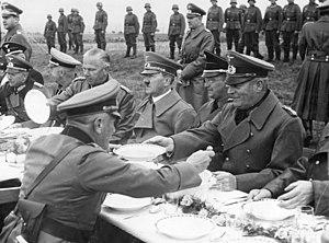 Bundesarchiv Bild 183-H13192, Adolf Hitler im ...
