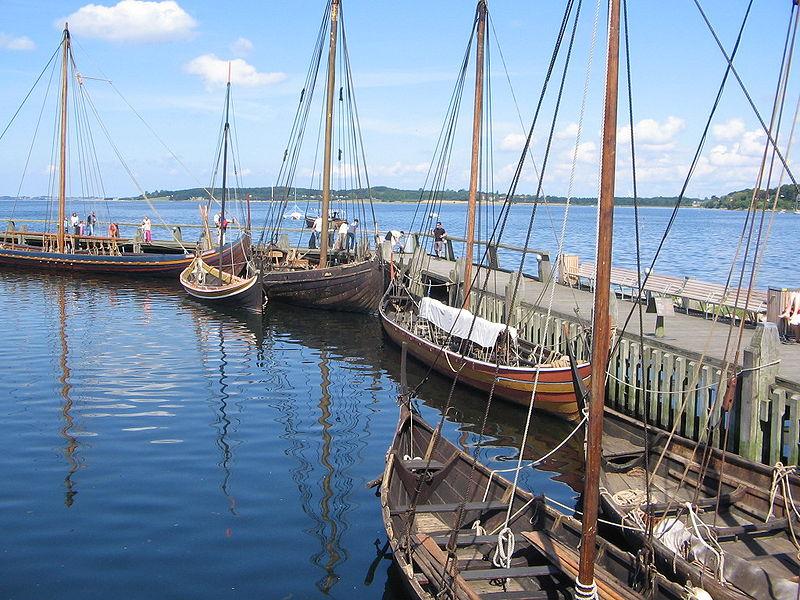 Fichier:Viking ship museum Roskilde Denmark 201172962.jpg