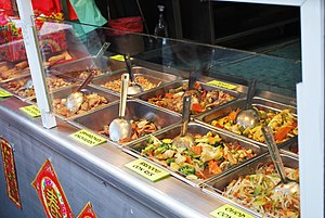 English: Chinese food at a restaurant in Barri...