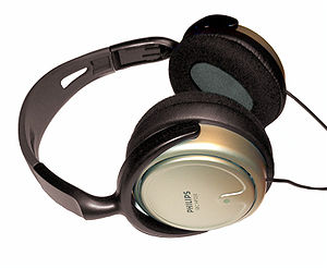English: Philips headphones