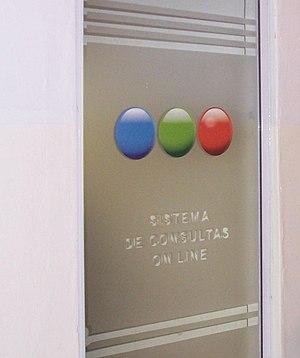 Puerta en uno de los estudios de Telefé, en la...