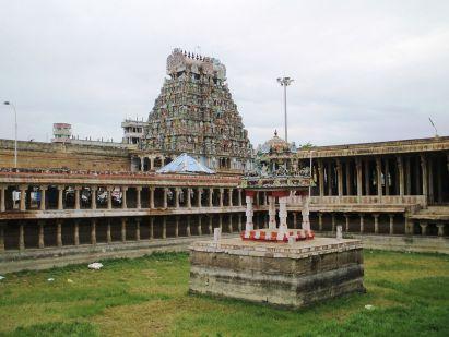 Image result for Jambukeswarar Akhilandeswari swamy photos in thiruvanaikaval