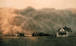 A Dust Bowl storm approaches Stratford, Texas ...
