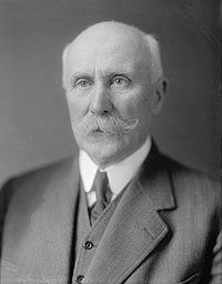 Philippe Pétain (en civil, autour de 1930).jpg