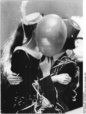 Bundesarchiv Bild 183-43428-0002, Neujahrsfest...