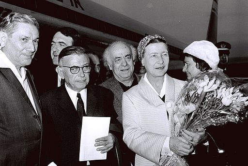 Flickr - Government Press Office (GPO) - Jean Paul Sartre and Simone De Beauvoir welcomed by Avraham Shlonsky and Leah Goldberg