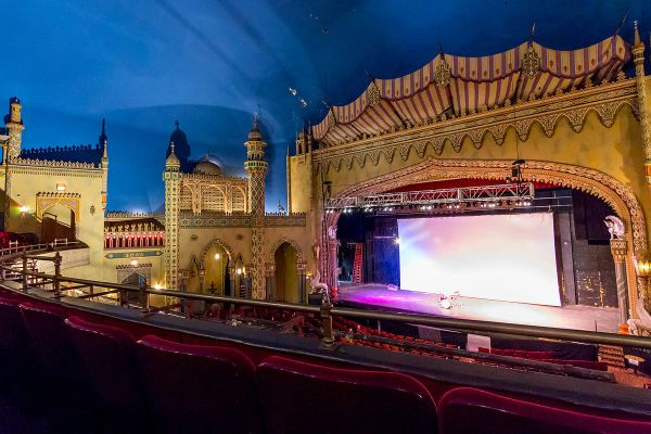 Regal Theater - Wikipedia