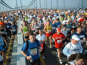 Runners participating in the 2005 New York Cit...