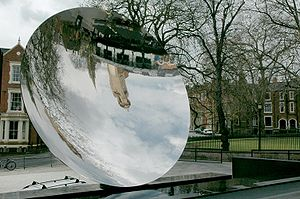 English: Sky Mirror, a sculpture by Anish Kapoor.
