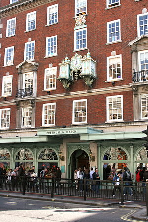 Fortnum & Mason, Piccadilly, London, England