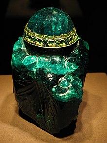 IMG 0119 - Wien - Schatzkammer - 2860-carat Columbian Emerald.JPG