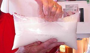 English: A picture of a milk bag. Taken in 200...