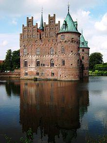 Egeskov Slot  Wikipedia den frie encyklopdi