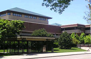 The Golda Meir Library (north side) at the Uni...