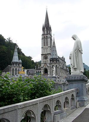 Basilique Notre-Dame du Rosaire à Lourdes.