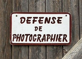 English: Photography forbidden. A nightmare......
