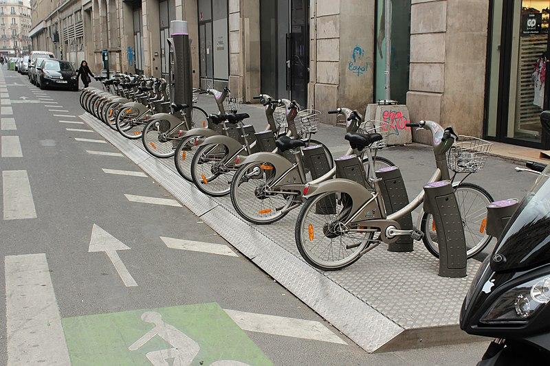 File:Place de la République (Paris), réaménagement, 2012-04-05 39.jpg
