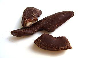 En: Chocolate-coated citrus peel He: קליפות הד...