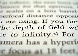 Ejemplo de profundidad de campo, sólo la l�nea central aparece enfocada, el resto no.