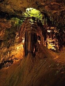Cueva de Valporquero  Wikipedia la enciclopedia libre
