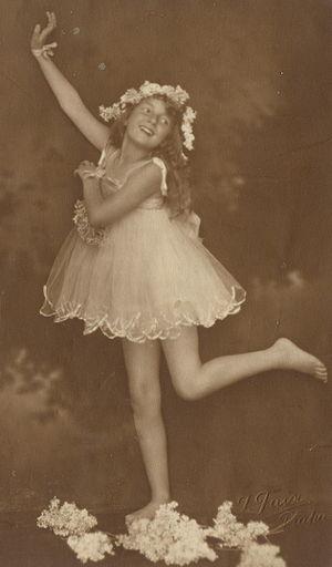 Little Dancing Girl, postcard