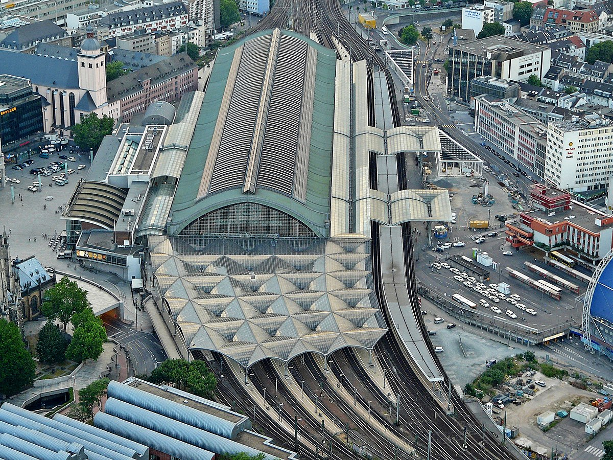 hamburg train station berlin. Black Bedroom Furniture Sets. Home Design Ideas