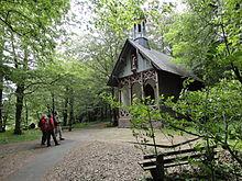 Rastmöglichkeit vor der Kreuzkapelle nördlich von Herbstein