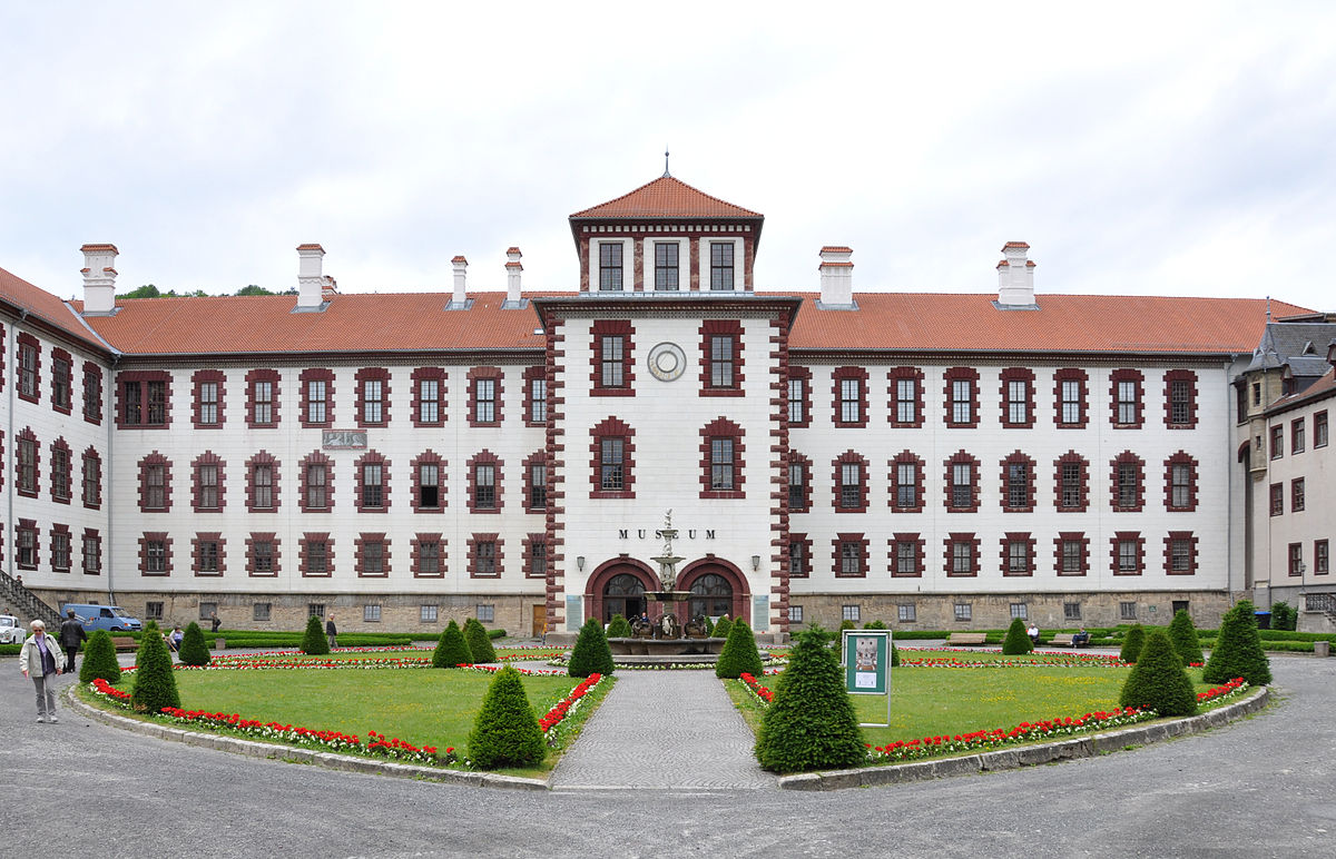 Schloss Elisabethenburg  Wikipedia