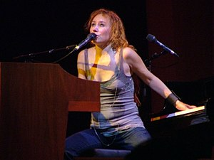 Tori Amos performing at the 2005 Glastonbury f...