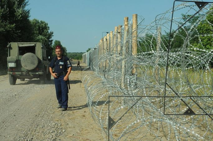 Hungarian-Serbian border barrier 3