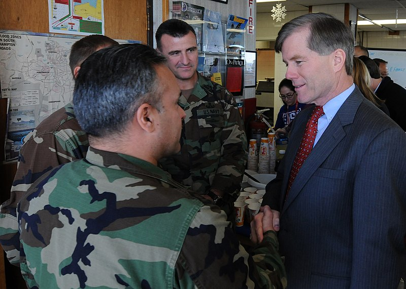 File:US Navy 100111-N-9095H-064 aster Chief Navy Diver Ross Garcia speaks with Virginia Governor-Elect Bob McDonnell at the USO of Hampton Roads at Joint Expeditionary Base Little Creek-Fort Story.jpg