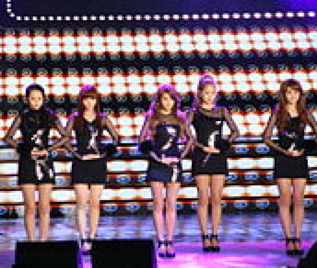 Wonder Girls Performing Be My Baby At  Korea Entertainment Awards From Left To Right Sohee Sunye Yubin Yeeun Hyerim