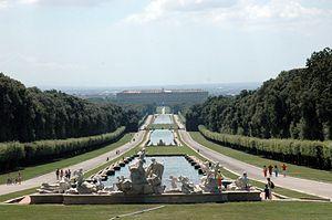 Der bourbonische Königspalast in Caserta.jpg