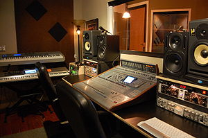 English: Onyx Soundlab LLC