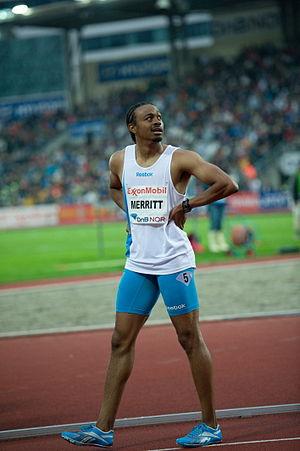 English: Aries Merrit winning 110 m hurdles at...