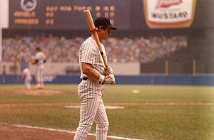 New York Yankees player Bobby Murcer on deck a...
