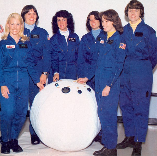 File:First Six Women Astronauts with Rescue Ball - GPN-2002-000207.jpg