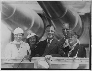 Franklin D. Roosevelt, Eleanor Roosevelt, Sara...