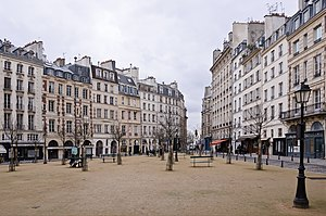 English: The Place Dauphine in Paris, France. ...