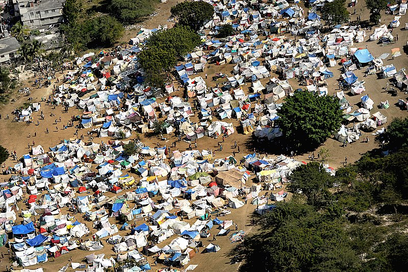 File:Tent city in downtown Port-au-Prince 2010-01-16.jpg