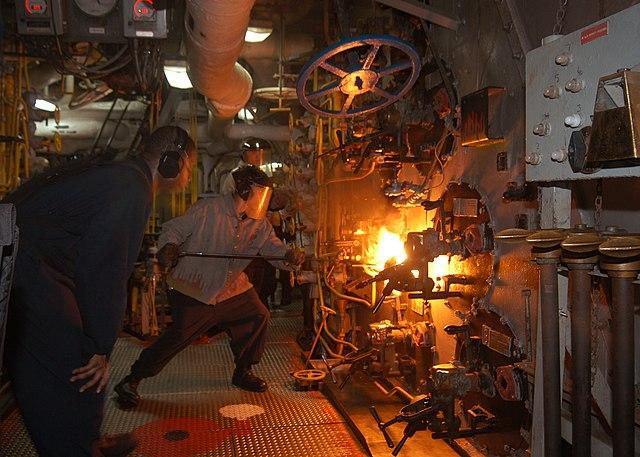 FileUS Navy 040718N2541H001 Machinist Mate 3rd Class