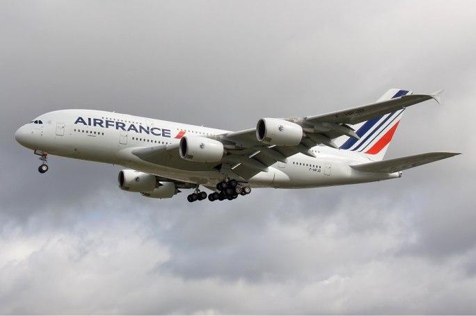 Air France Airbus A380 Olivati-1