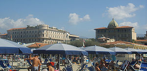 The Hotels Excelsior (right) and Principe di P...