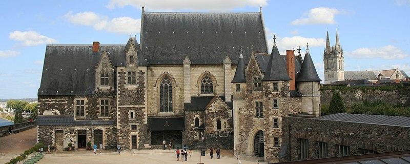Angers - Château - Le logis royal, la chapelle et le châtelet - 20080921