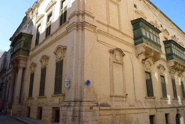 Admiralty House Valletta - Wikipedia