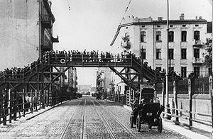 English: The footbridge over Zgierska Street t...