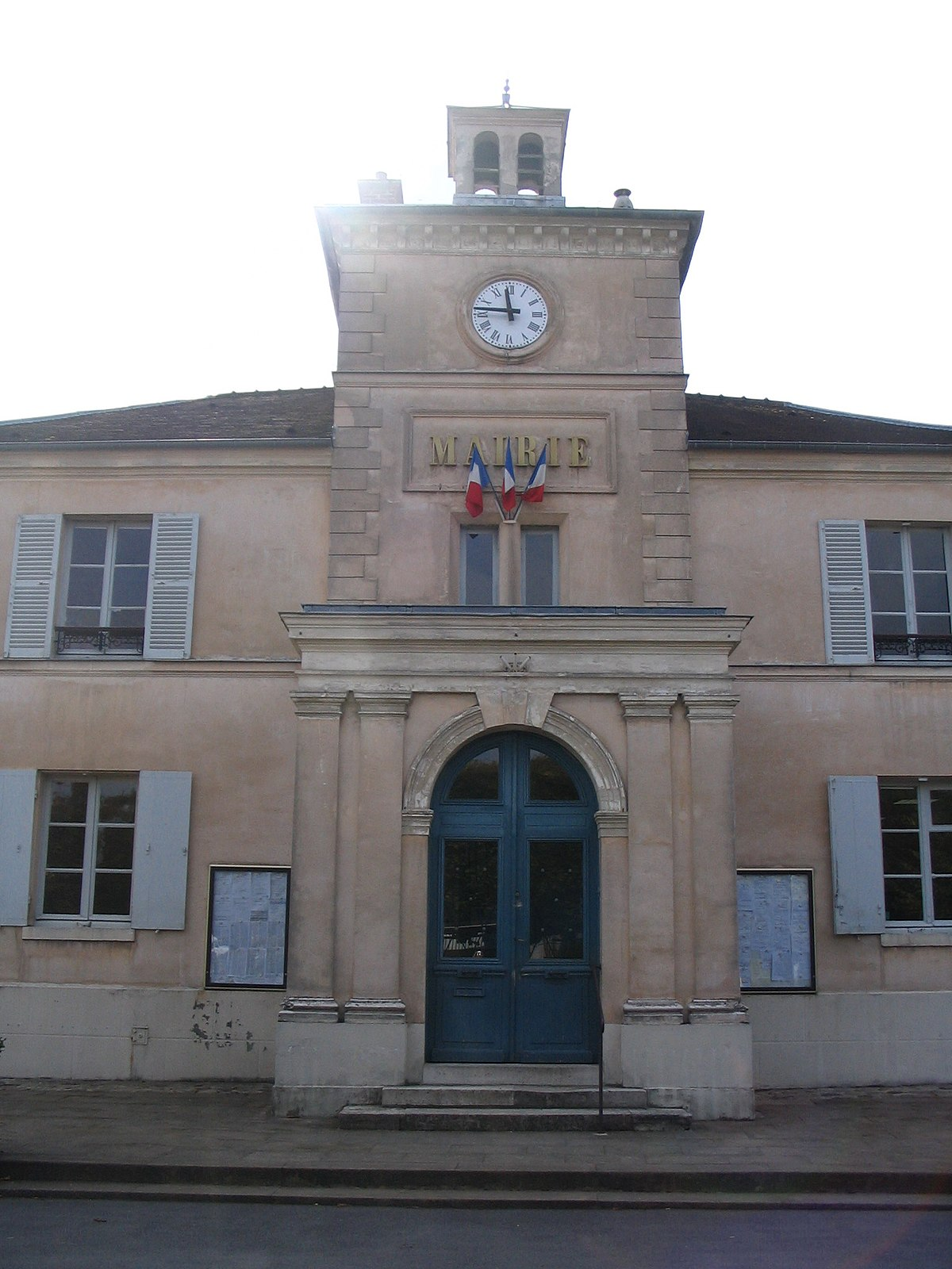 Interieur Maison Johnny Marnes La Coquette