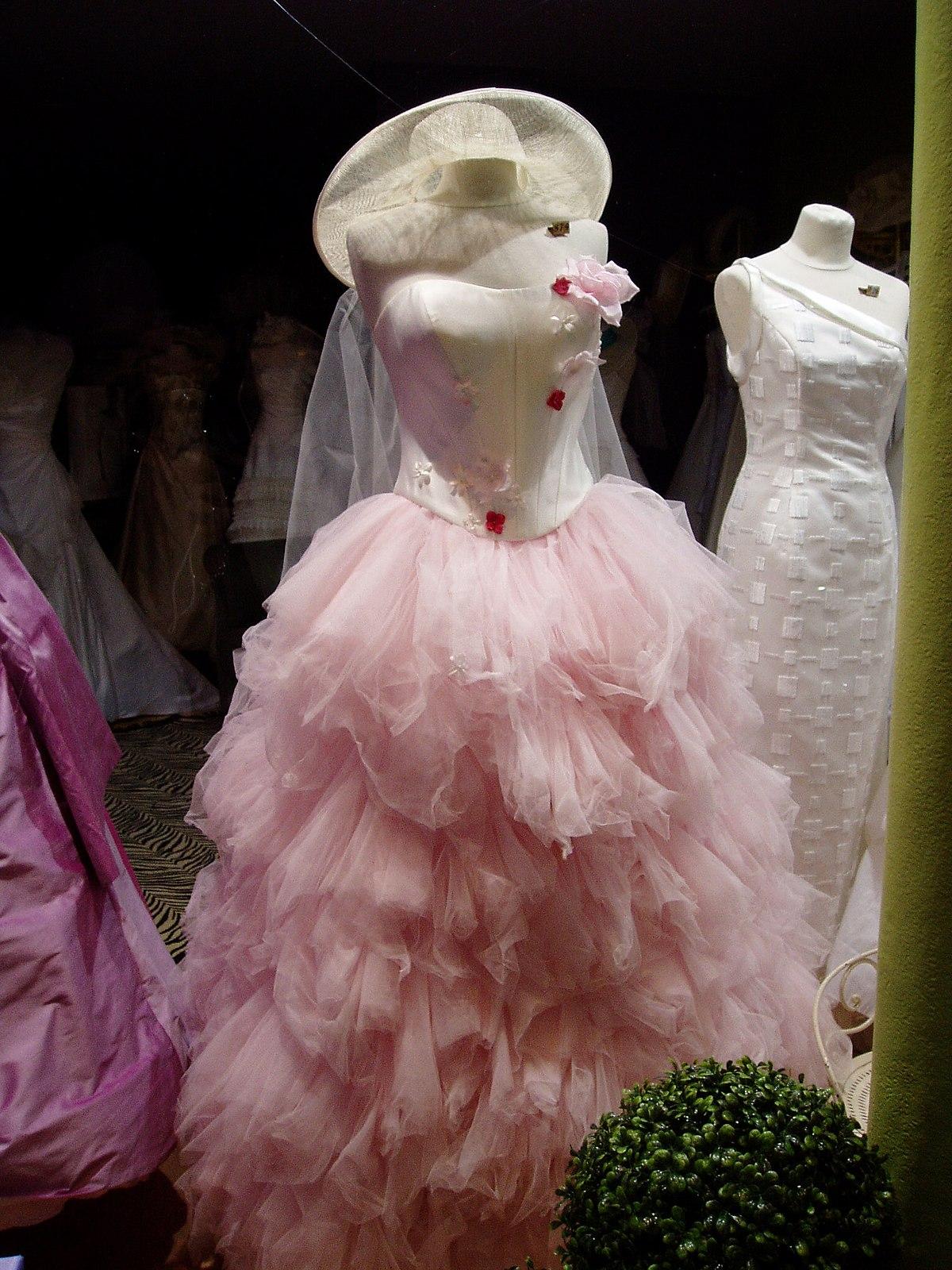 Bouffant gown  Wikipedia